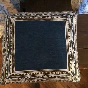 Throw pillow 16x16